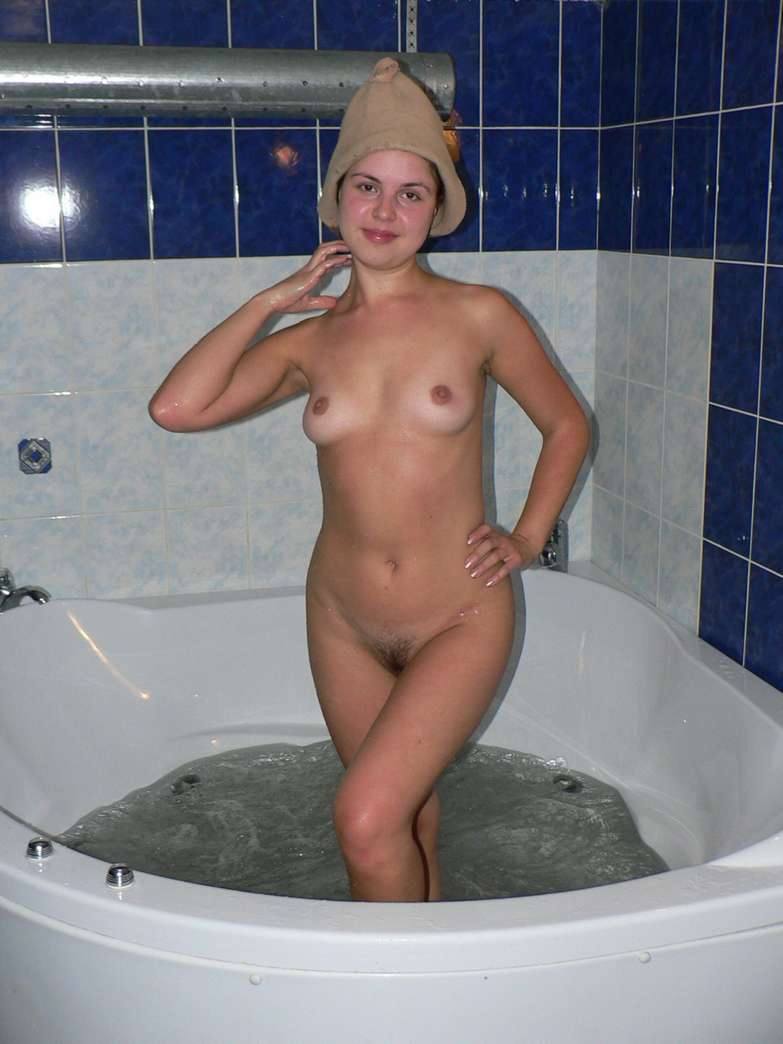 amatrice nue baignoire (10)