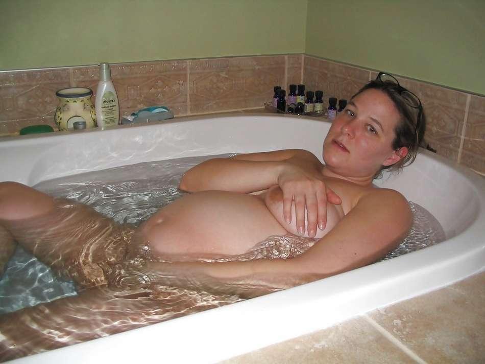 naked girls cum bath