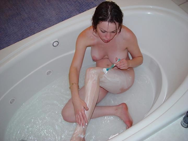 amatrice nue baignoire (5)