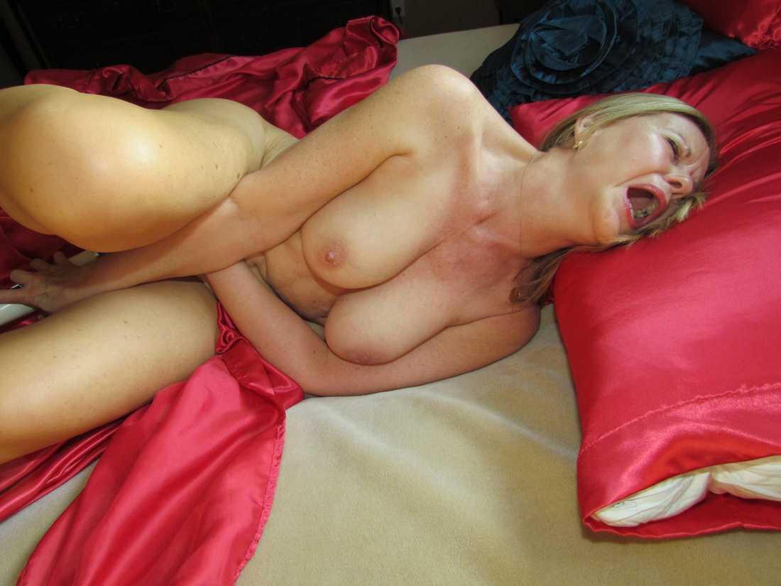 amatrice nue sextoys (14)