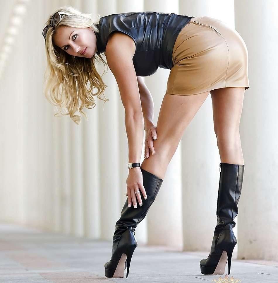amatrice sexy bottes noires (2)