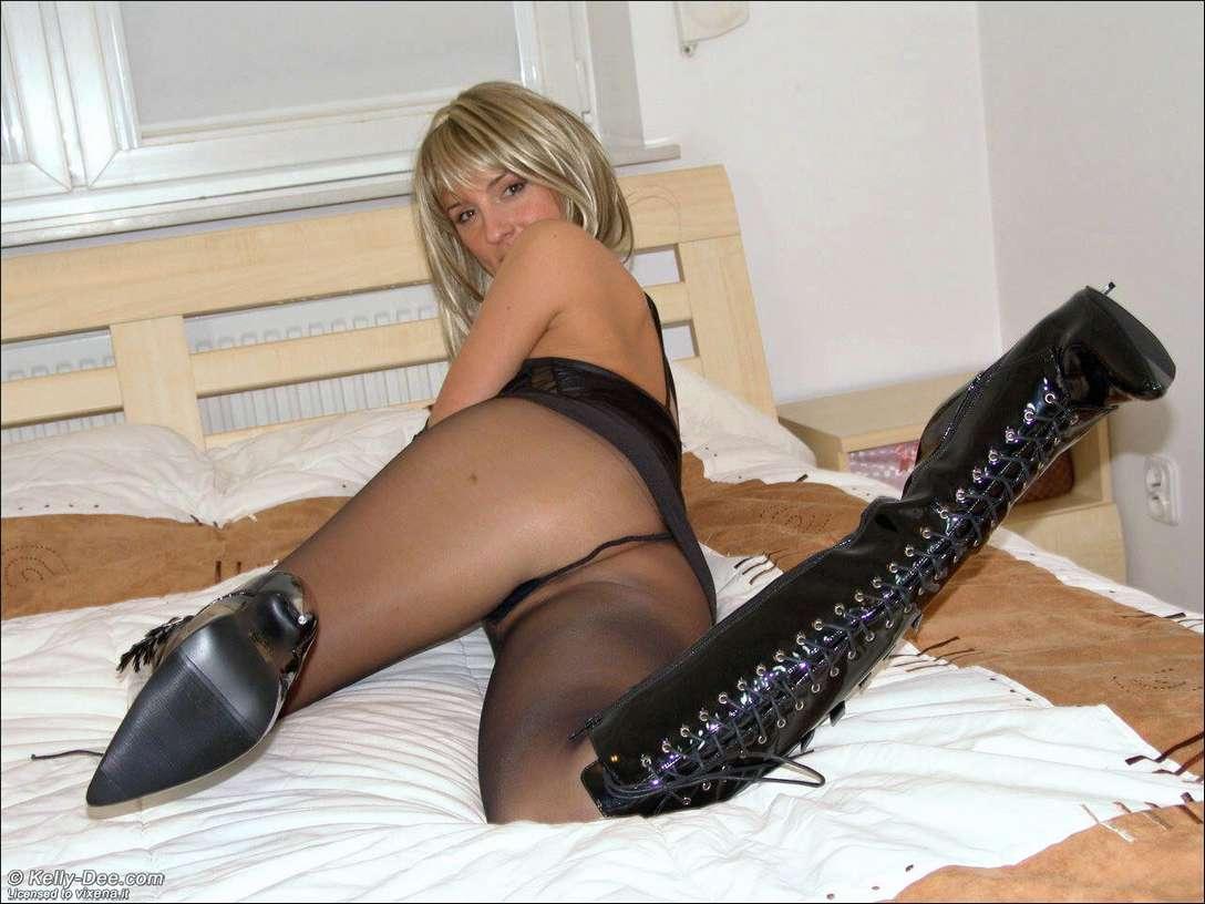amatrice sexy bottes noires (23)