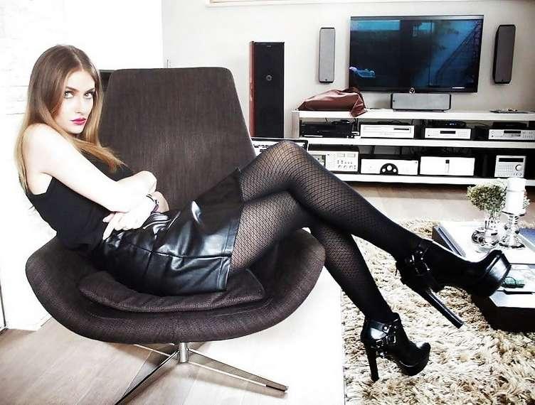 amatrice sexy bottes noires (29)