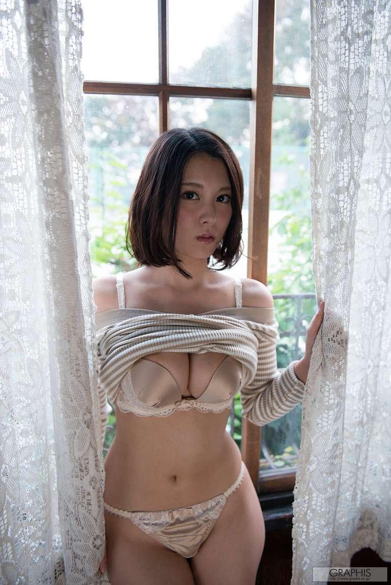asiatique bonasse nue (108)