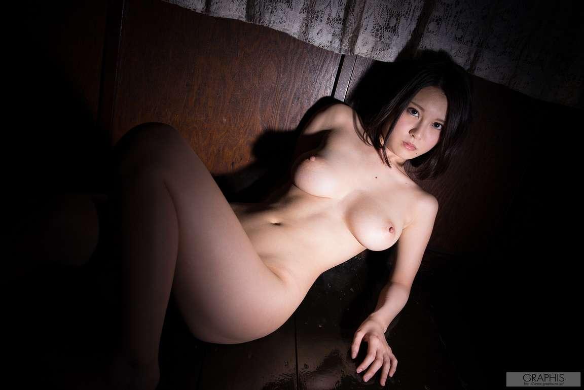 asiatique bonasse nue (124)