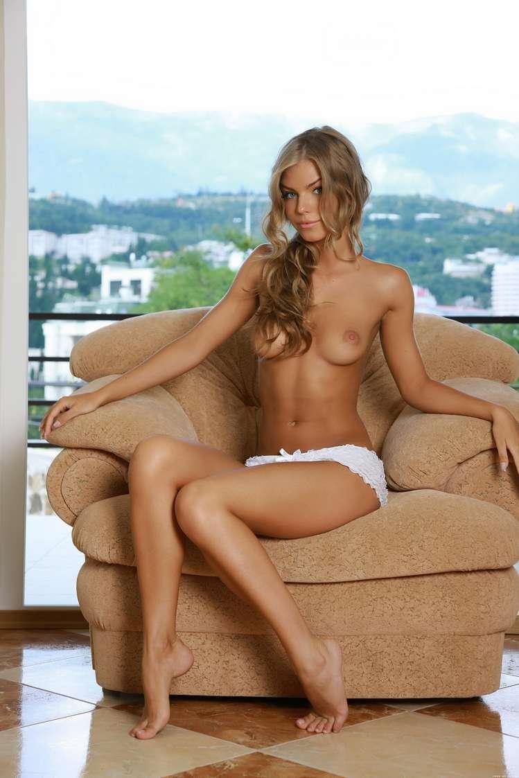 blonde nue bonasse sexy (100)