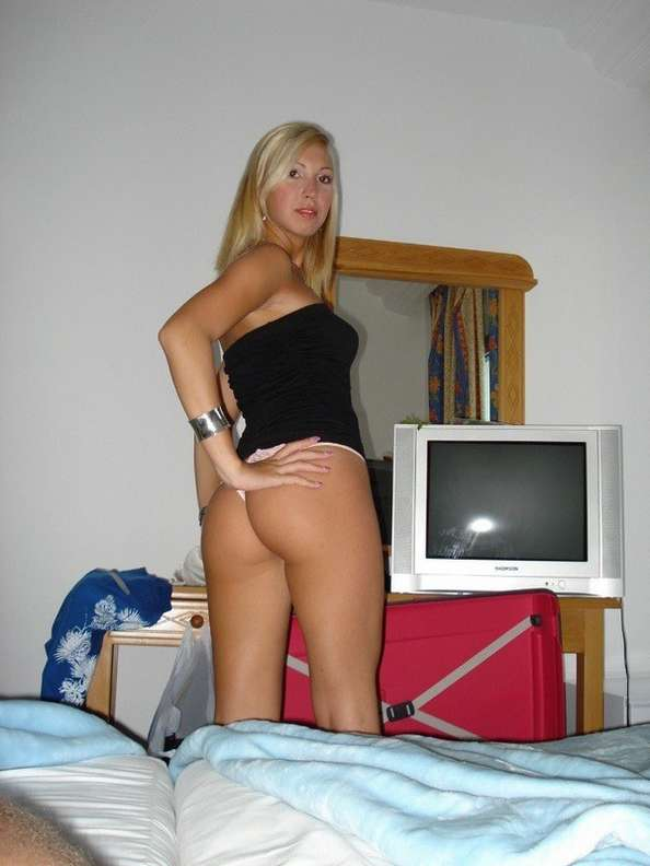 blonde sexy seins nus (109)