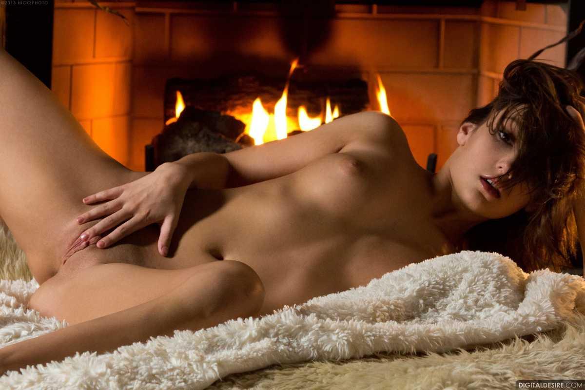 brune nue bonasse (106)