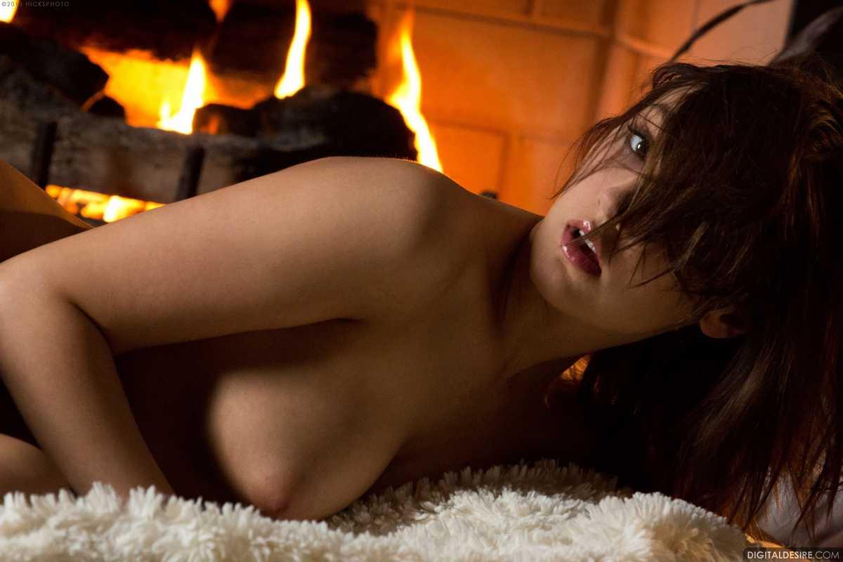 brune nue bonasse (108)