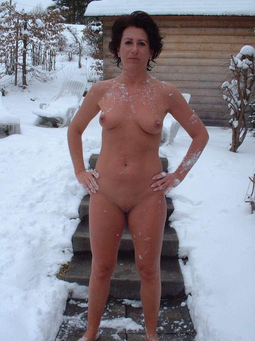femme mure nue neige (20)