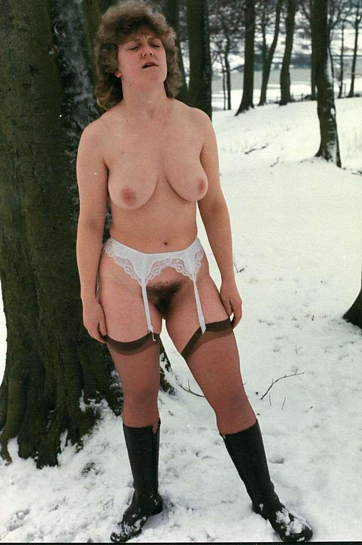 femme mure nue neige (26)
