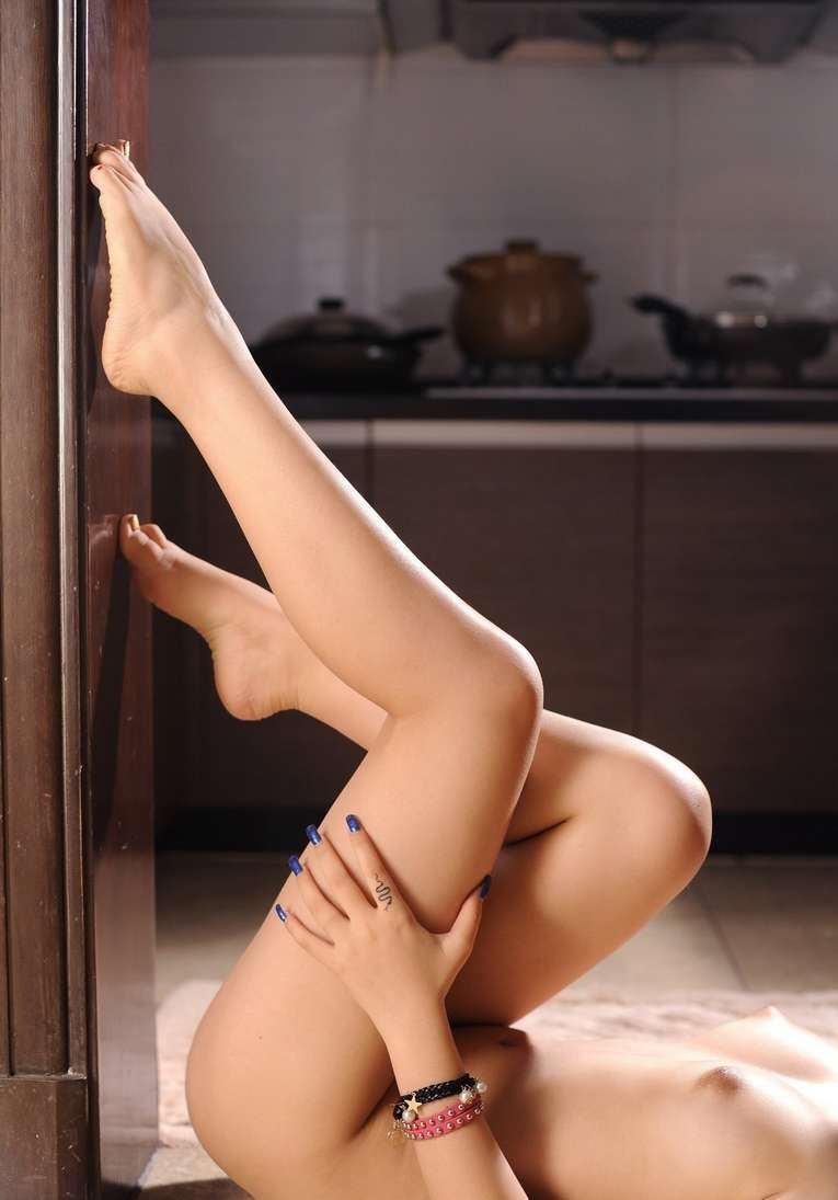 fille asiatique nue bonasse (137)