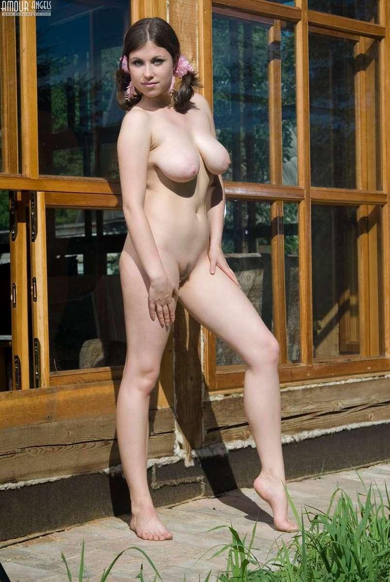 Femmes aux seins naturels - 3 5