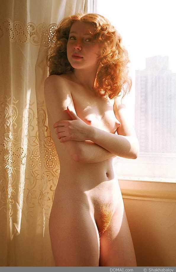 fille rousse nue chatte poilue (25)
