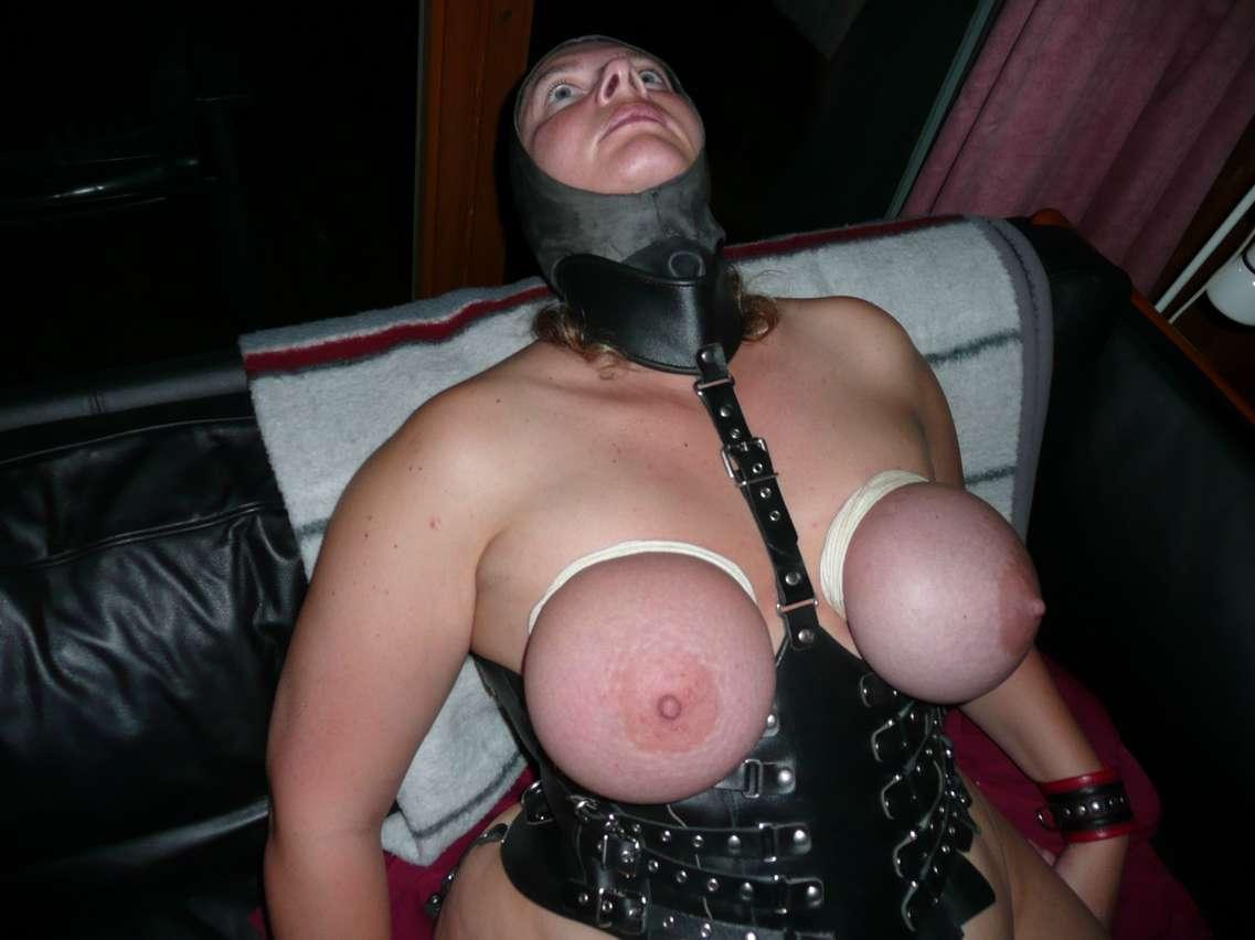 grosse allemande nue soumise (118)