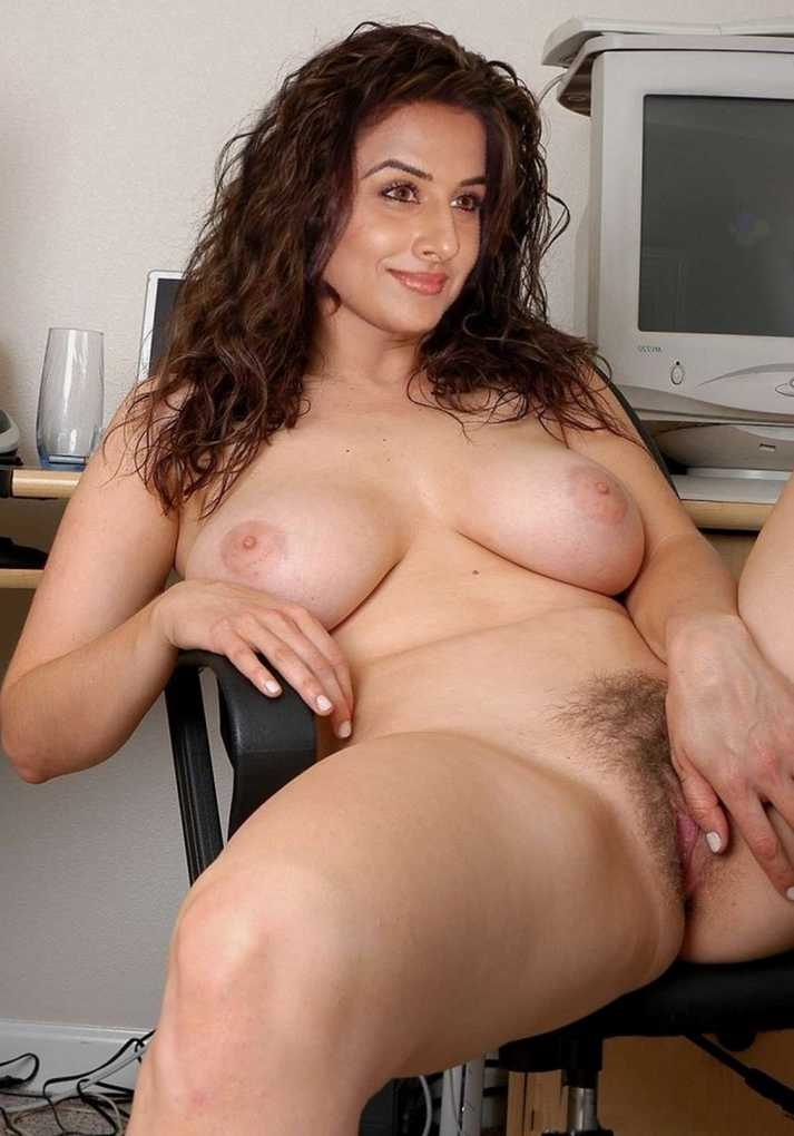 Delightful beautiful nude mature wife for that