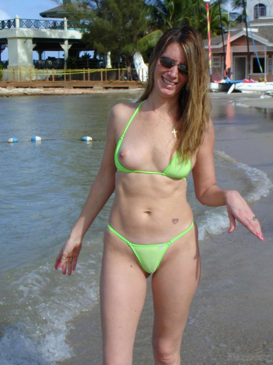 oops bikini show (5)