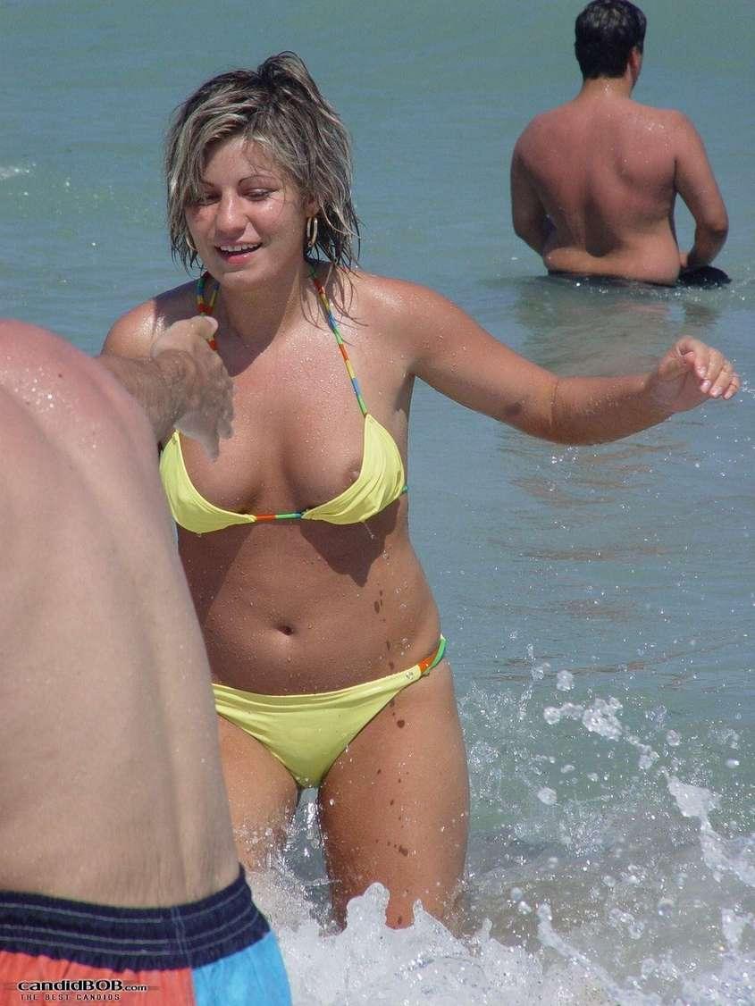 oops bikini show (6)