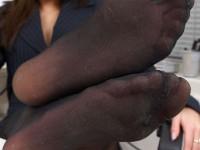 Gros plan sur des pieds sexy avec collants