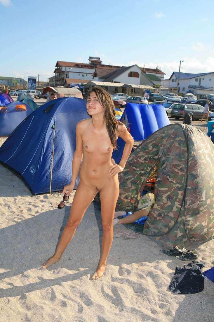 jeune et jolie fille nue pute roumaine a paris