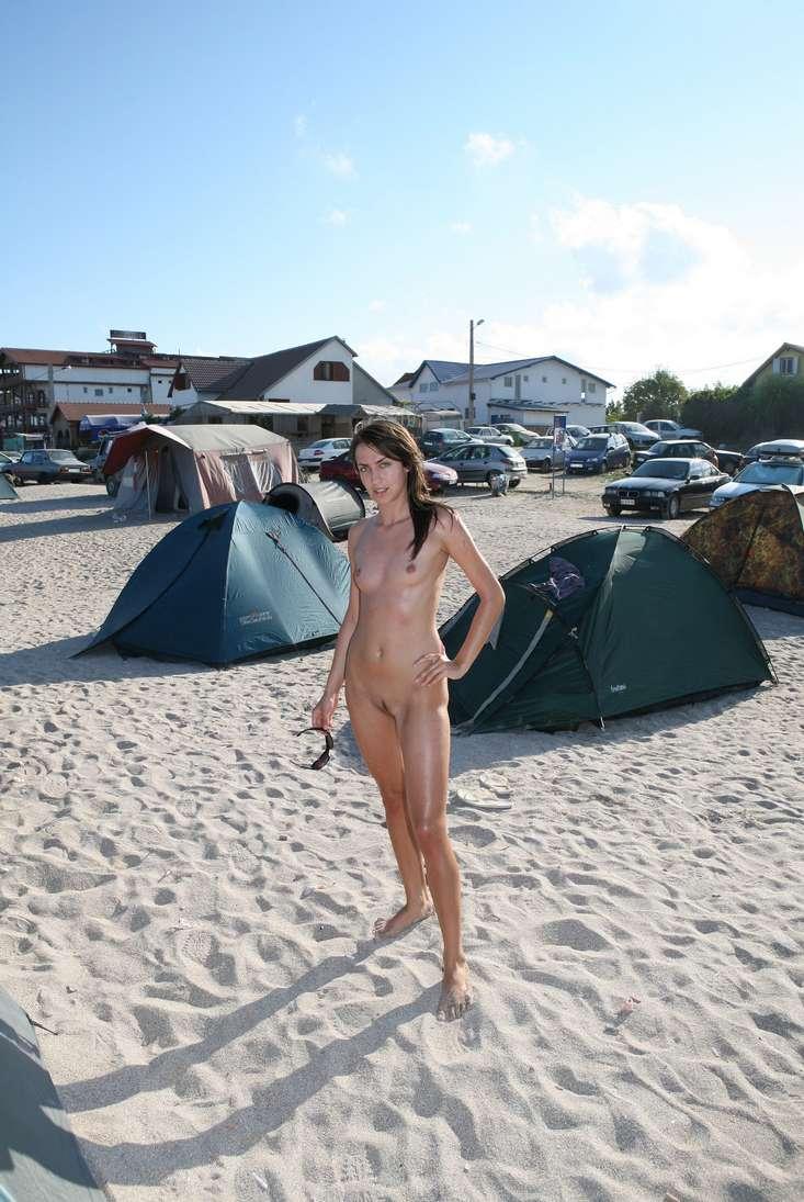 roumaine nue plage (108)