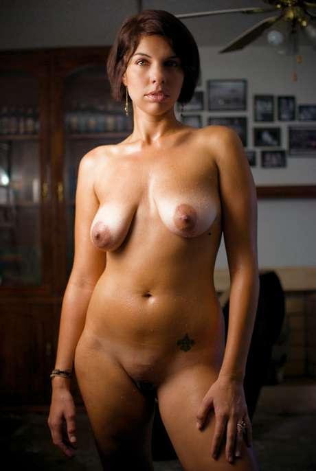 nude wife huge breast