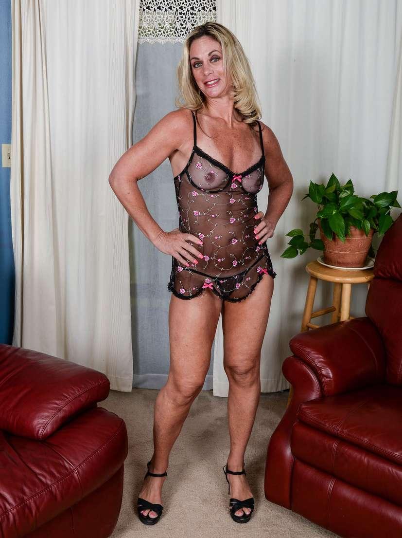 vieille blonde nue bronzee (100)
