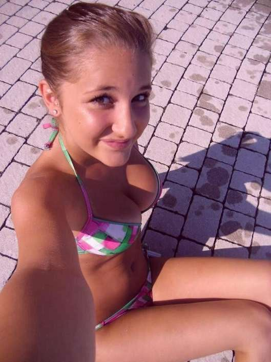 bikini grosses loches (6)
