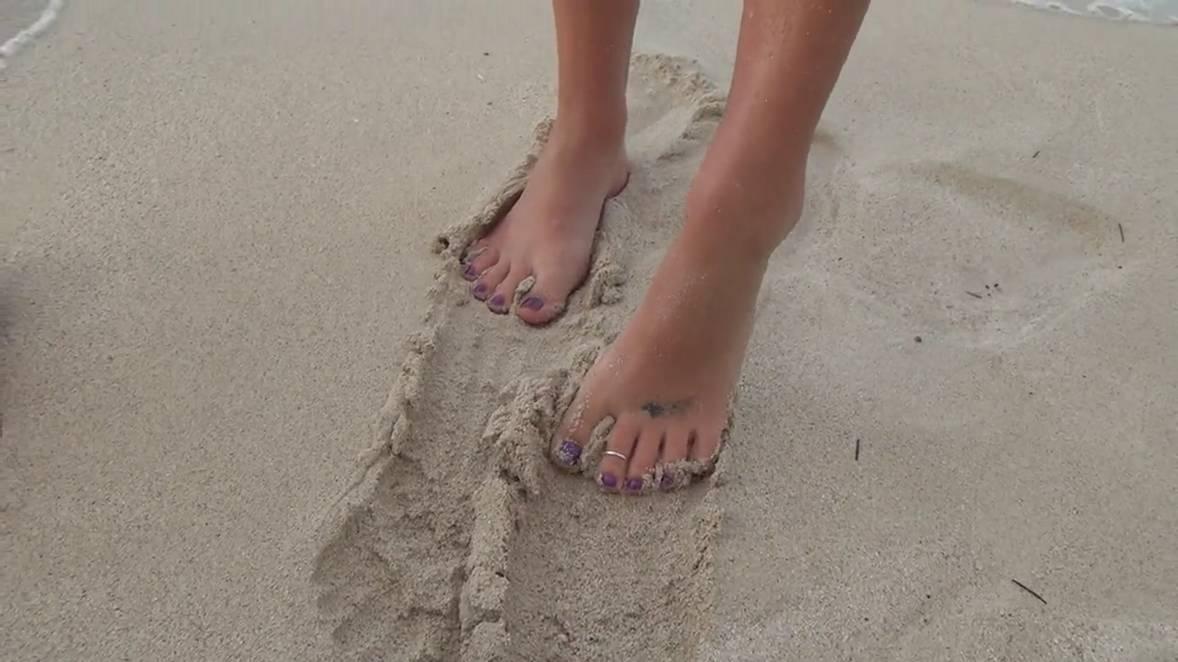 footjob ejac plage (100)