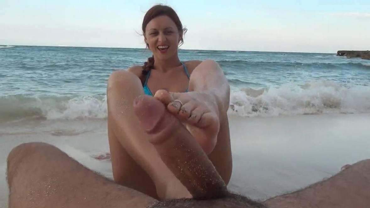 footjob ejac plage (109)
