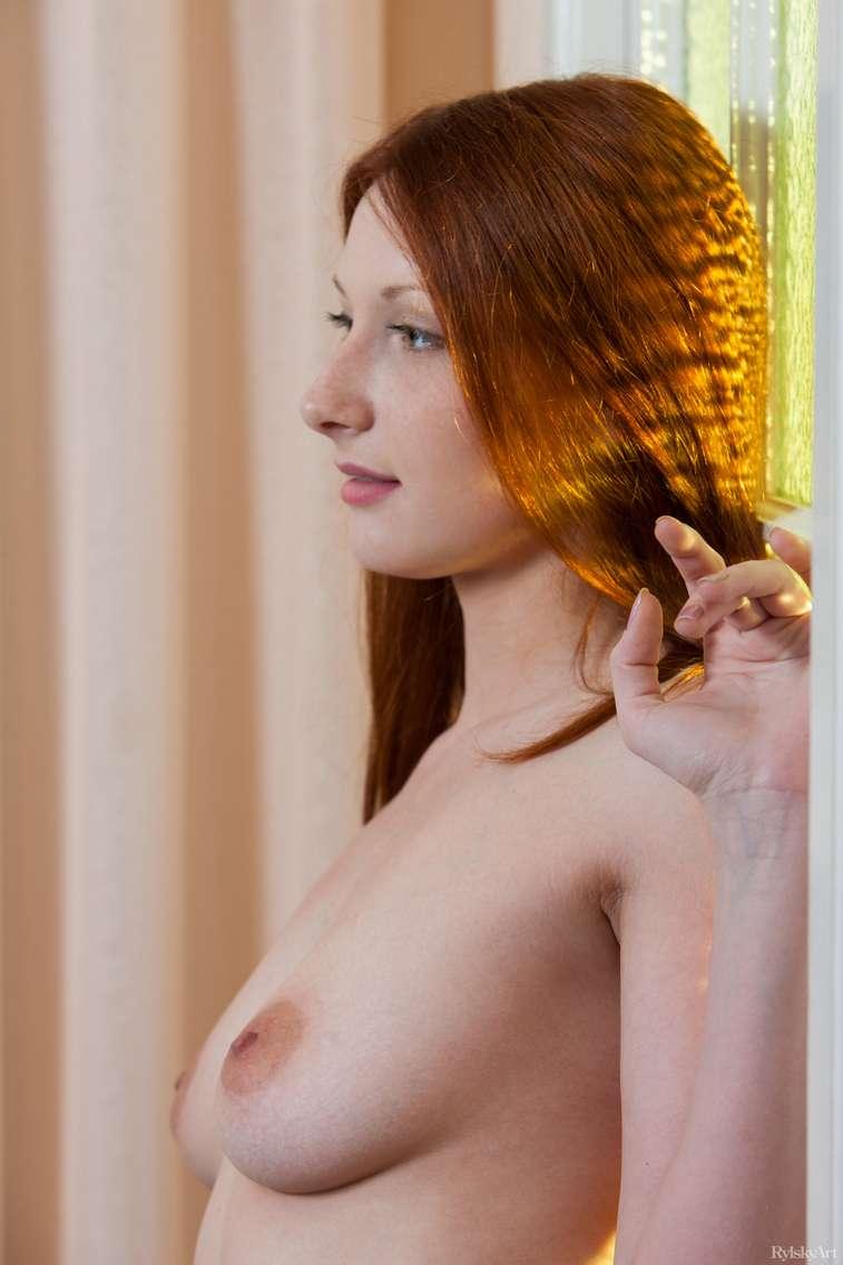 jeune rousse nue (108)