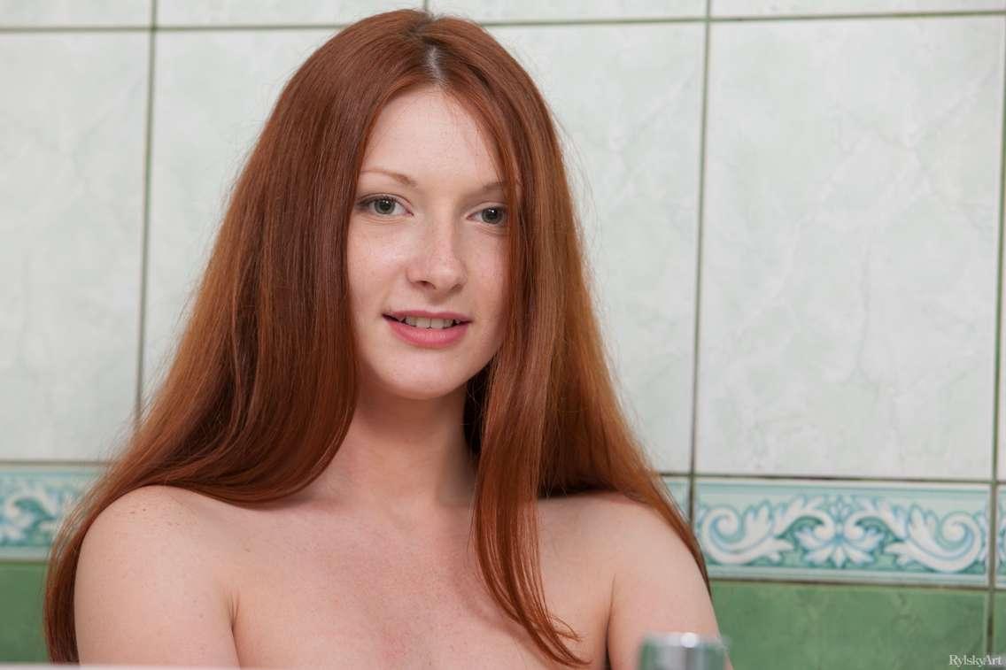 jeune rousse nue (119)