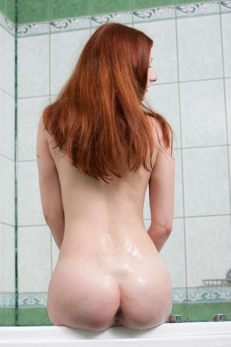 jeune rousse nue (130)