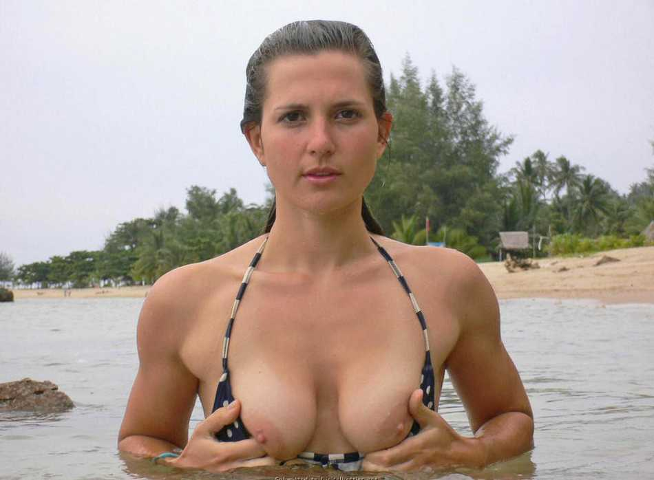 oops seins bikini (29)