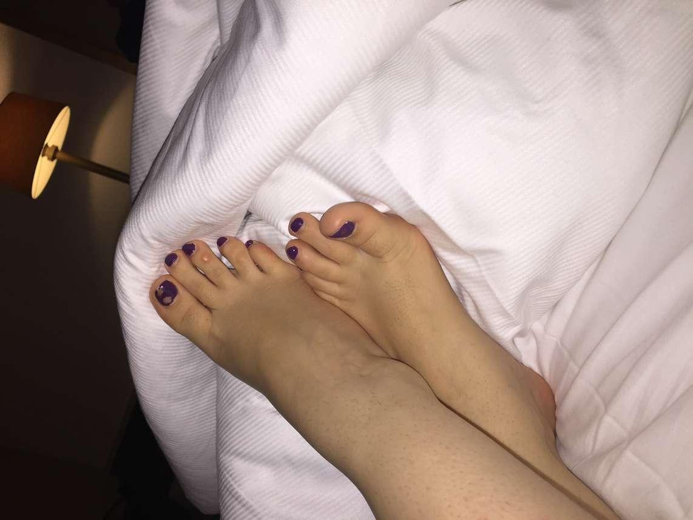 pieds sexy branlette (111)