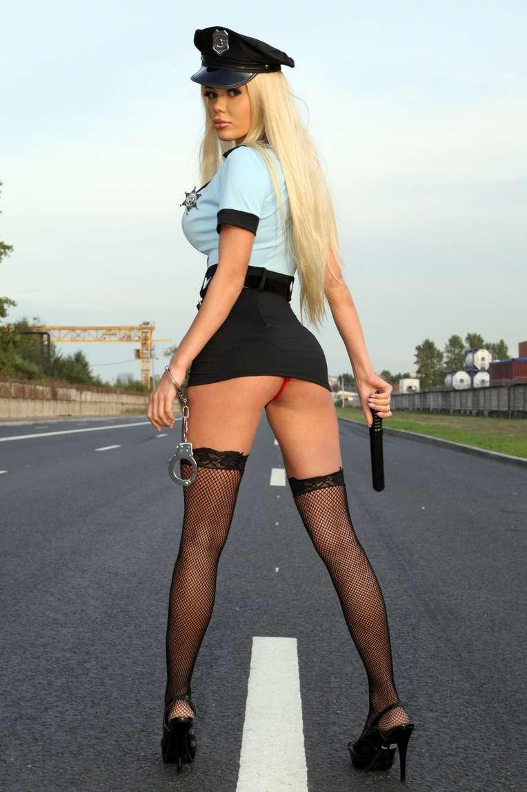 policiere blonde sexy (107)