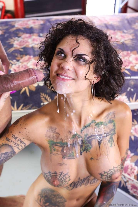 pornstar brune nue (23)