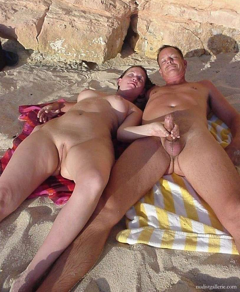 sexe plage baise pipe (15)