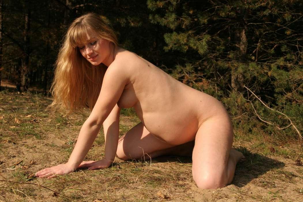 blonde enceinte nue bonasse (118)