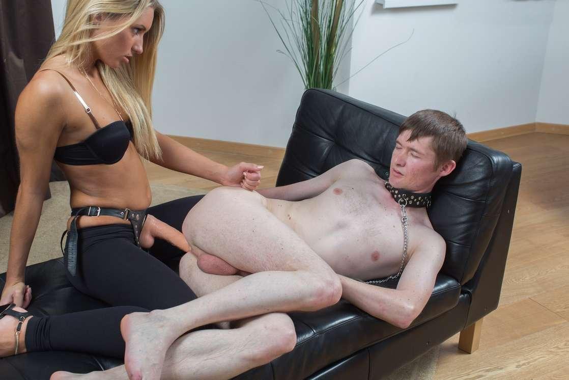 enculeuse blonde sexy (9)