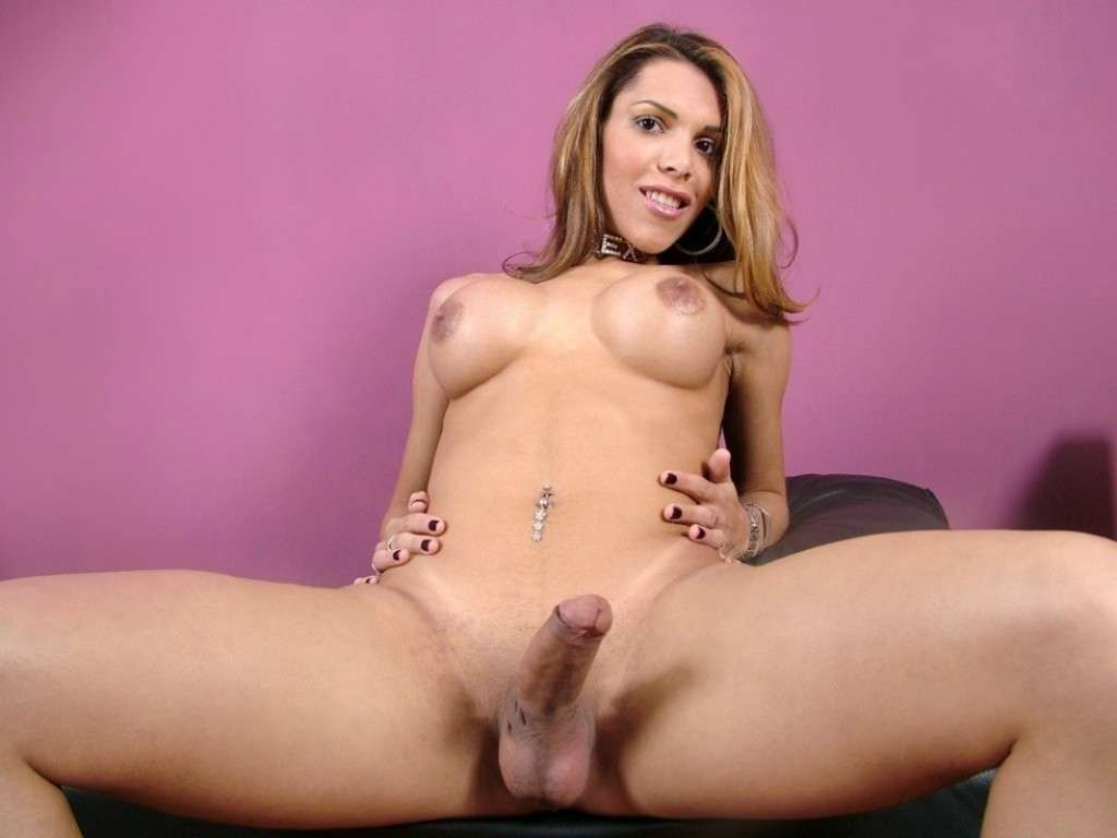 femme a bite nue (6)