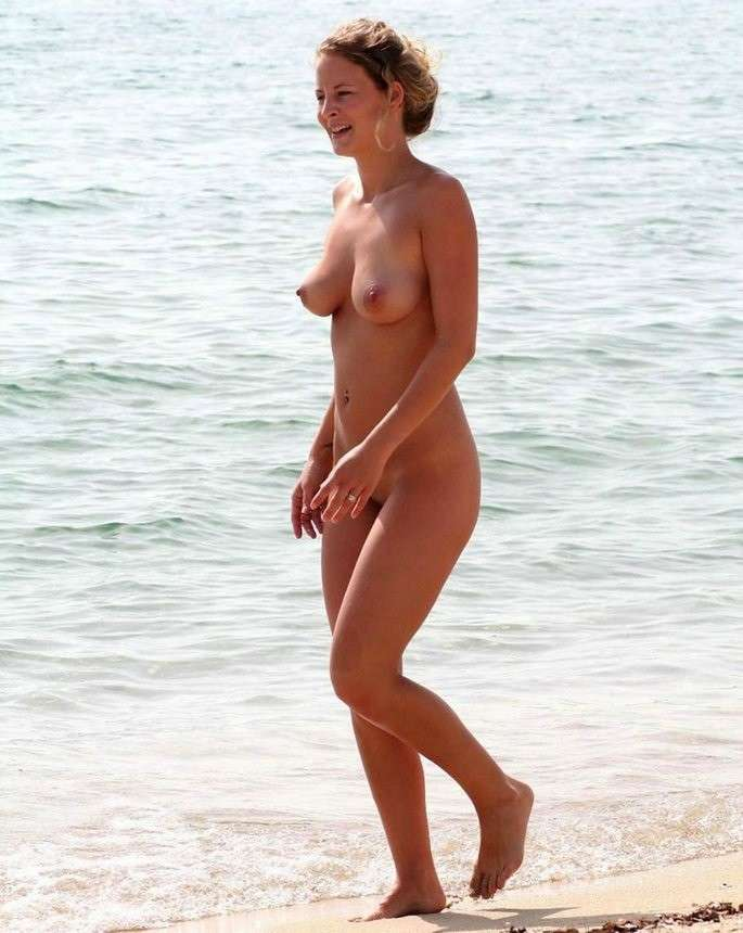 gros seins vacances plage nue (16)