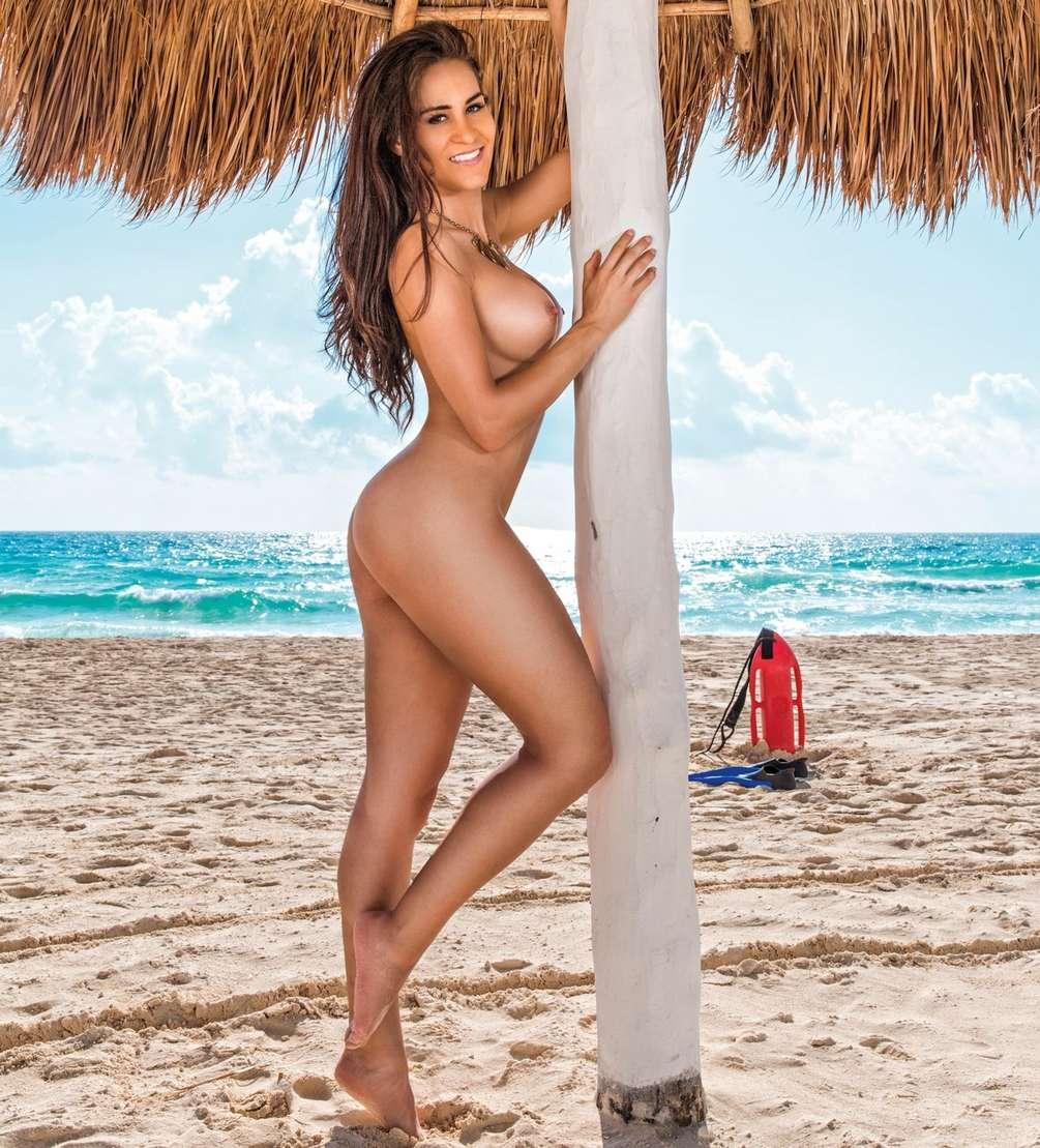gros seins vacances plage nue (3)