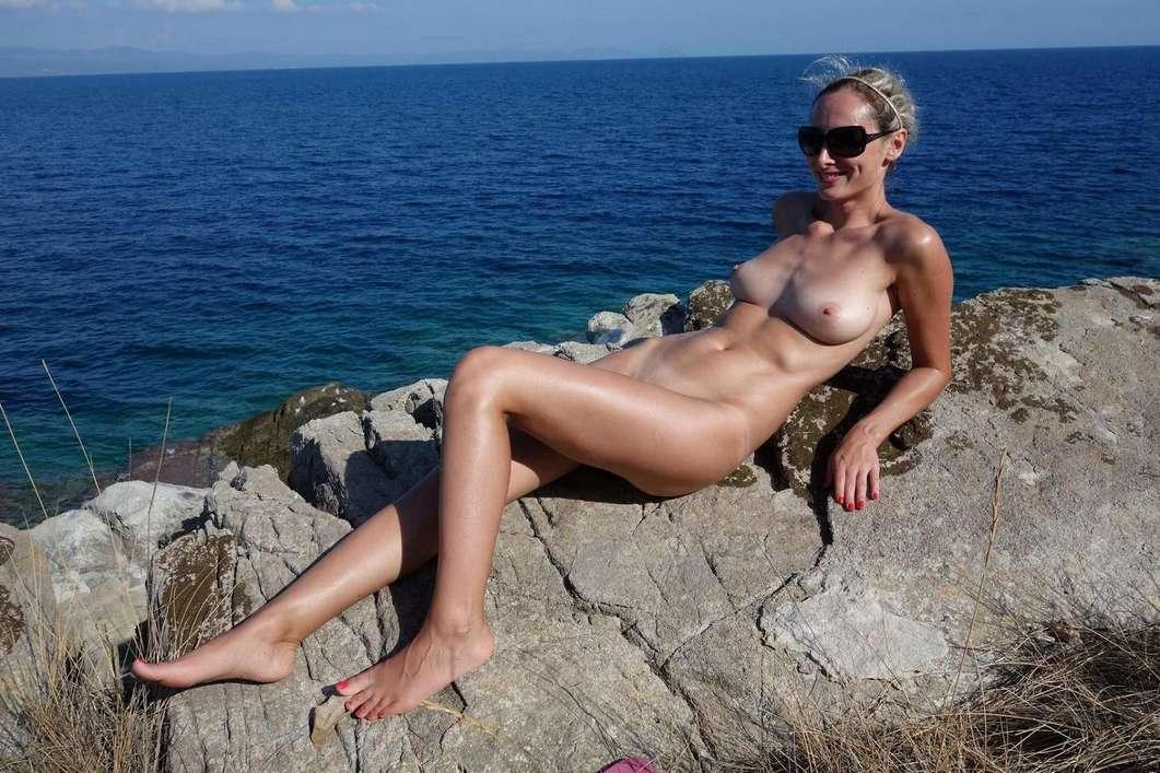 gros seins vacances plage nue (4)