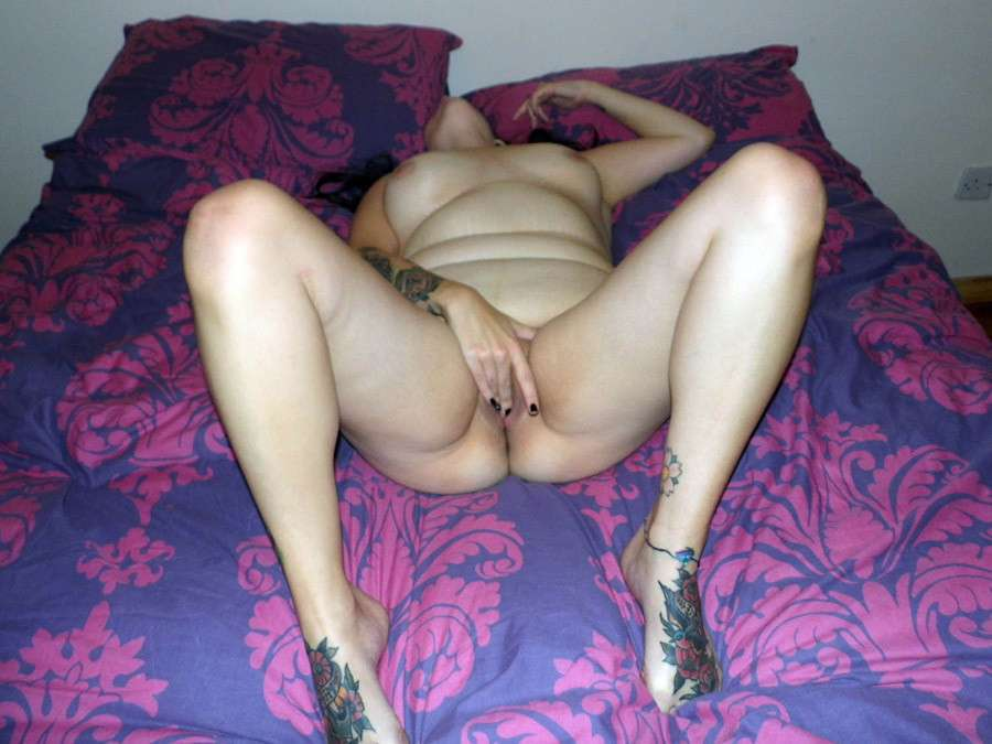 grosse brune tatouee chaleur (5)