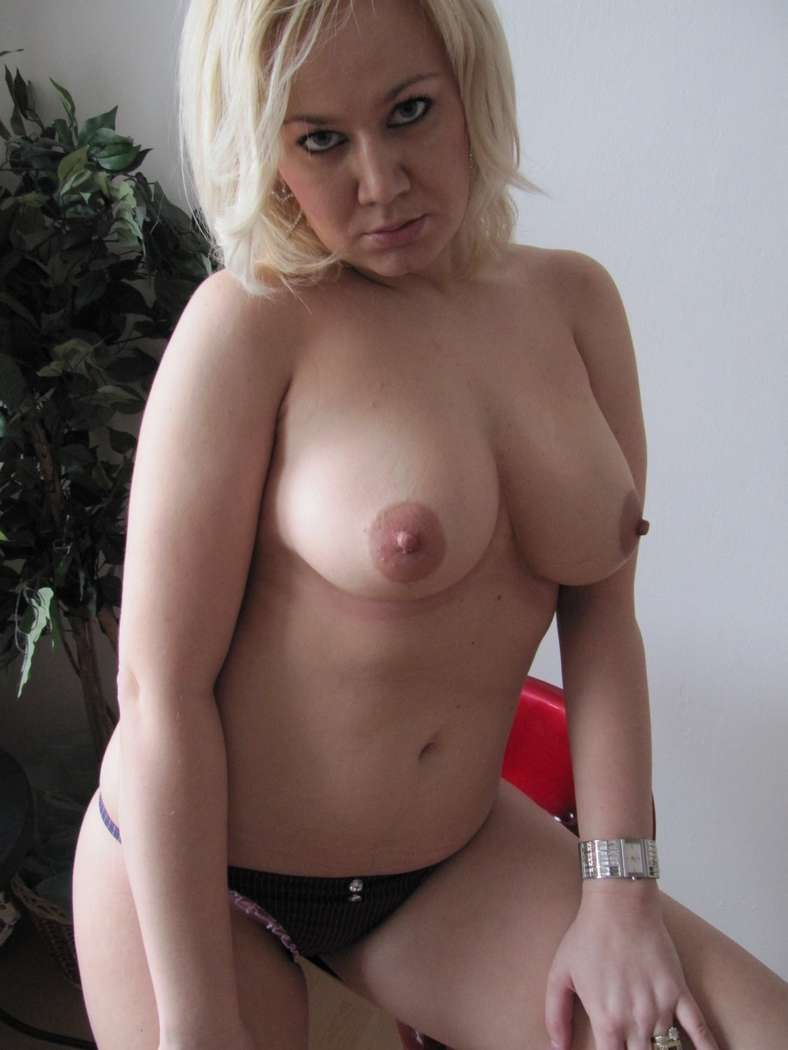maman blonde bonasse nue (103)