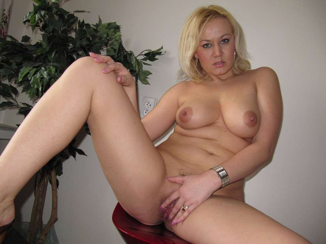 Tanned mature blonde milf