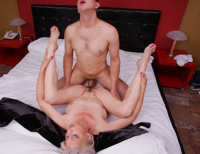 jeune baise vieille black sexy nue