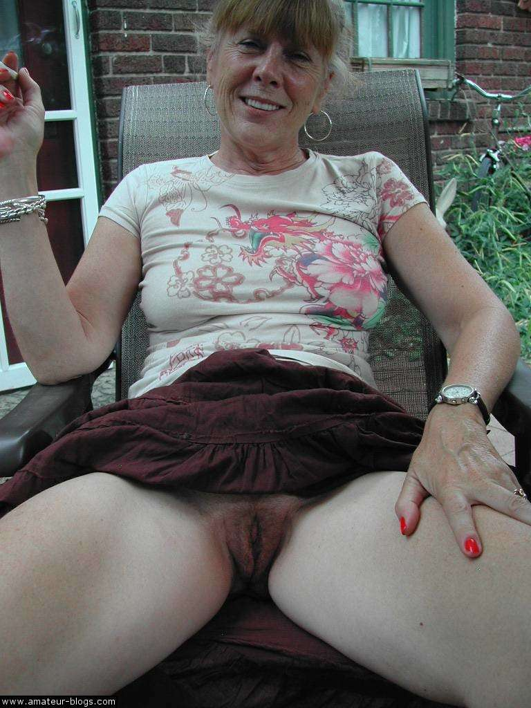 10 min de plaisir par une salope mature ma femme - 1 10