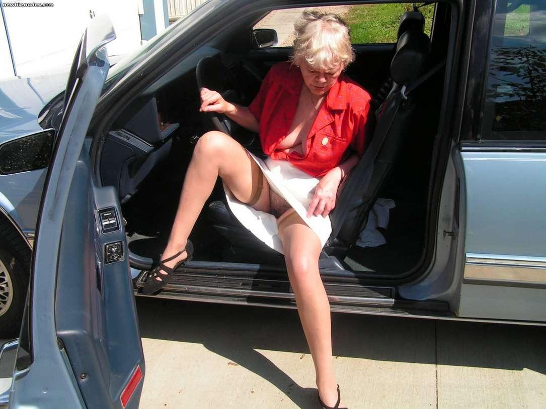 10 min de plaisir par une salope mature ma femme - 2 2